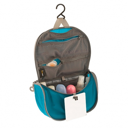 Hanging Toiletry Bag2